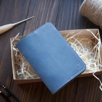 Кожаный чехол на паспорт с  иинициалами