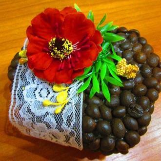 Оригинальные Валентинки из зерен кофе на день влюбленных 14 февраля