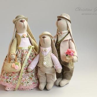 Семья зайчиков