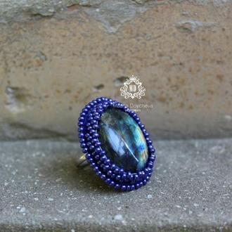 Кольцо-перстень с натуральным камнем лабрадоритом