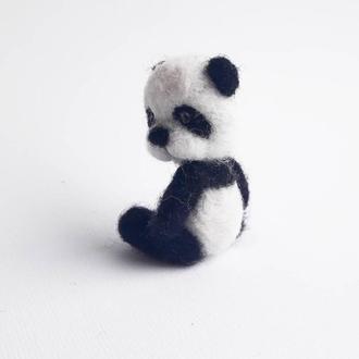 Панда из войлока  Пандочка игрушка  Черно белый енот