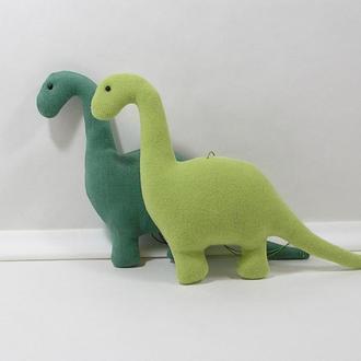 Мягкий динозавр диплодок. Зеленый дино декор. Животное юрского периода. Милый динозаврик