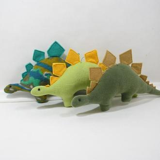 Мягкий динозавр стегозавр. Зеленый дино декор. Животное юрского периода. Милый динозаврик