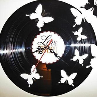 """Настенные часы из виниловой пластинки """"Бабочки"""""""