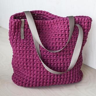 Малиновая вязаная торбочка мз трикотажной пряжи в наличии