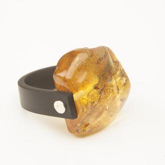 Янтарное кольцо на каучуке с серебром, размер 16