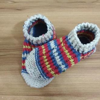 Домашние вязанные тапочки