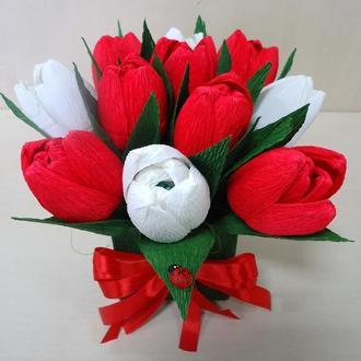 Красные тюльпаны из конфет