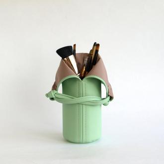 Ментоловая косметичка / Сумочка под кисти для макияжа