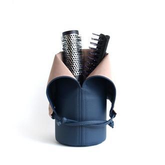 Подставка для расчесок / Темно-синяя сумка для косметики