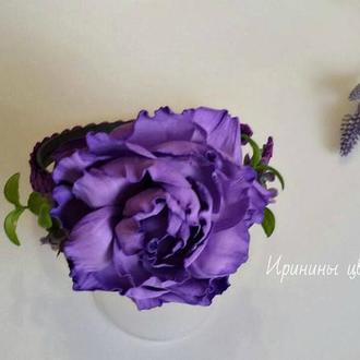 Фиолетовая роза на обруче