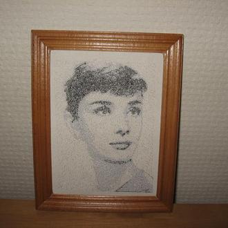Картина вышивка портрет Одри Хепберн