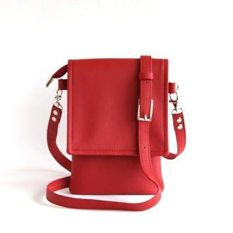 Красная сумочка для телефона через плечо