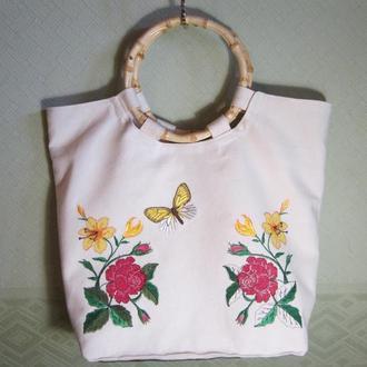 Сумка с вышивкой цветы и бабочки/бамбуковые ручки
