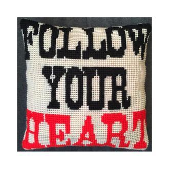 """Декоративная вышитая подушка """"Follow your heart"""""""