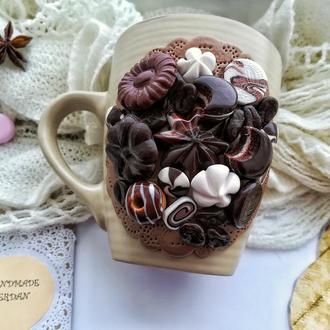 Кружка із шоколадним декором
