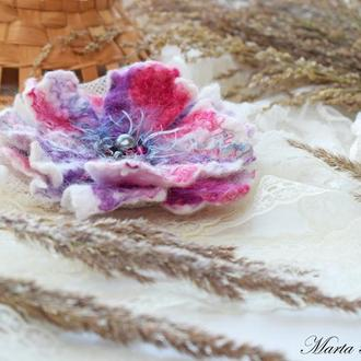 Квітка брошка валяна фіолетова рожева  ексклюзивний аксесуар стильний подарунок ручна робота войлок