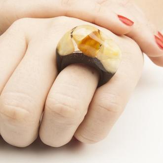 Янтарное кольцо с эпоксидной смолой, Размер 17