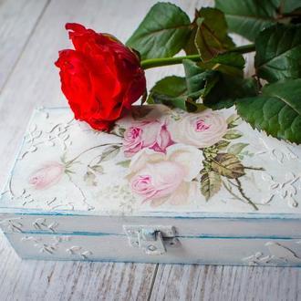 Винтажная шкатулка-купюрница ′Розы в стиле шебби-шик′