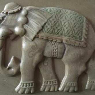 Слон индийский из песчаника