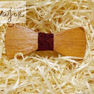 Детская деревянная бабочка Классик цвета марсала с узором