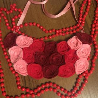 Фетрове кольє «Трояндовий сад»