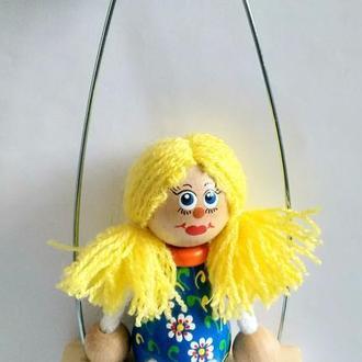 Куколка в синем платьице