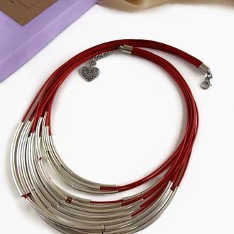 Колье красное на вощеной нити с трубочками