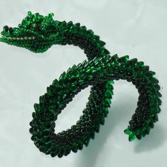 Браслет из бисера в виде зеленого дракона