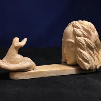 Деревянная фигурка  Бог и человек