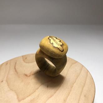 Кольцо деревянное Листик выжигание