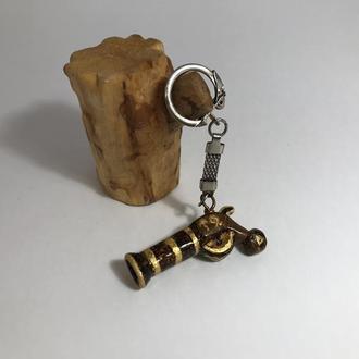 Брелок деревянный Пистолет выжигание и роспись