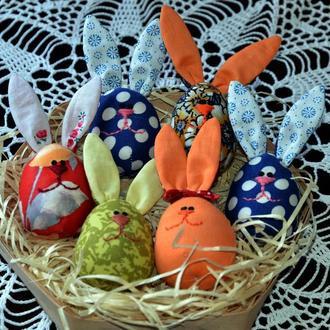 Текстильные кролики в форме яйца