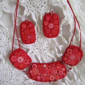 Комплект украшений в красном цвете с колье