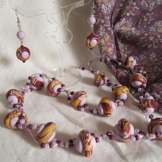 Комплект украшений в сиренево-бордово-песчаных цветах
