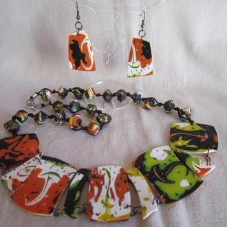 Комплект украшений с колье в черно-бело-оранжевых цветах