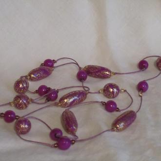Бусы фиолетовые  с золотой поталью