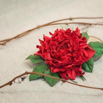 Заколка брошь цветок из фоамирана красная
