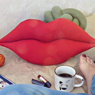 Подушка губы