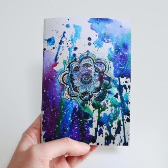 """Блокнот с нежно-голубыми страницами. Иллюстрация """"Мандала"""""""