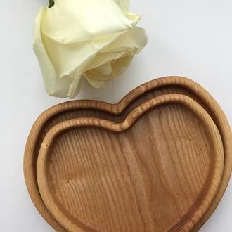 Деревянная тарелка в виде сердечек (набор из 2 штук)