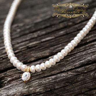 Кольє з натуральних перлів і позолочений кулон з цирконами