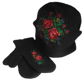 Валяный комплект с цветами
