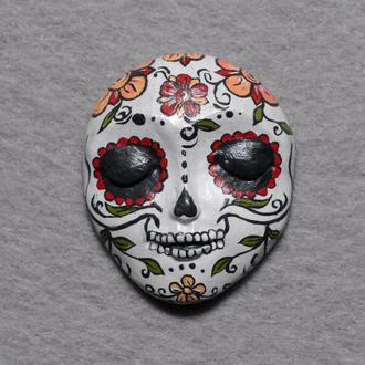 Сахарный череп. Кабошон из полимерной глины с авторской росписью