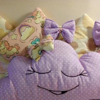 Бортики, защита в кроватку, манеж