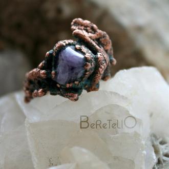 Оригинальное медное кольцо с аметистом