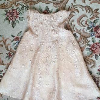 Ексклюзивна сукня ручної роботи ′Рожева перлина′ на 3-4 роки.