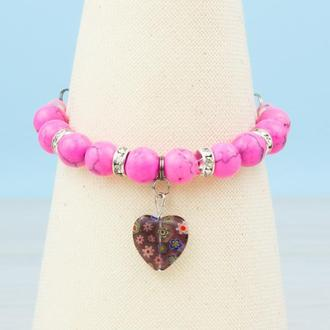 Розовый с цветочны сердечком браслет