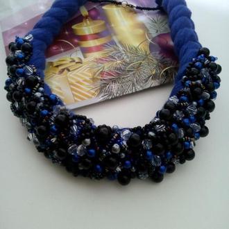 Синяя колье -коса