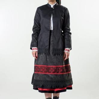 Жіночий комплект вбрання з капоткою